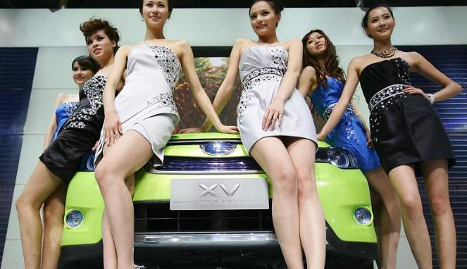 Gambar Mobil Modifikasi Gadis Gadis Auto Shanghai 2011
