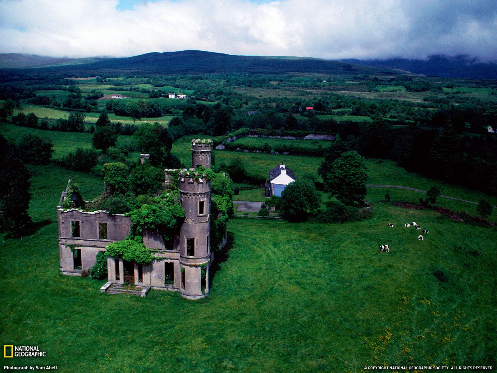 http://3.bp.blogspot.com/-PlLIO4N2ygI/UWvTeY2kEpI/AAAAAAAABkM/eWhMtHtlnJY/s1600/3533_1600x1200-wallpaper-Castle-Near-Kilgarvan-Ireland.jpg
