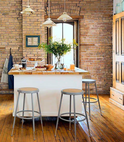 Urban Country Kitchen: Mix And Chic: Home Tour- A Charming Farmhouse-style Loft