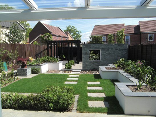 A life designing contemporary garden design part 1 for Help me design my garden