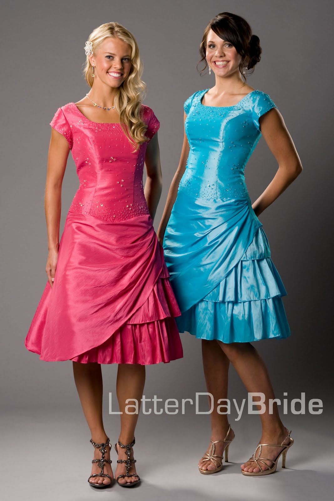 Mod Style Lounge: Pretty in a Prom Dress!