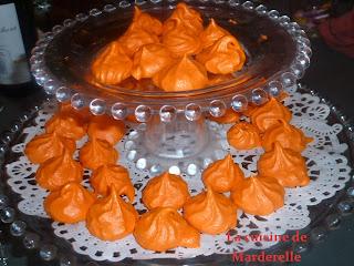 petites meringues oranges