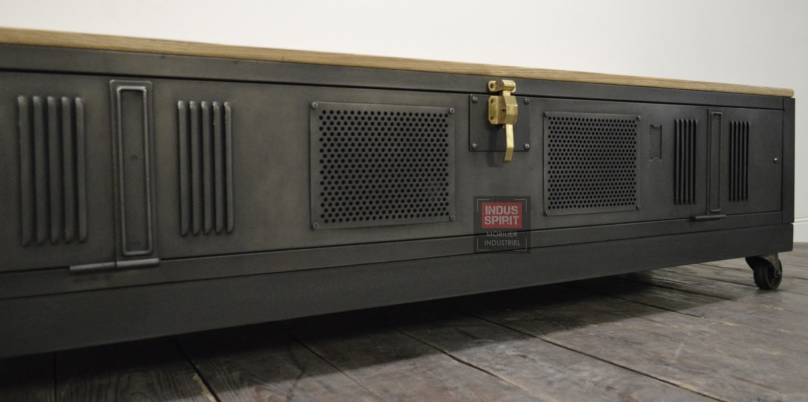 Fabuleux TV vestiaire industriel QS27