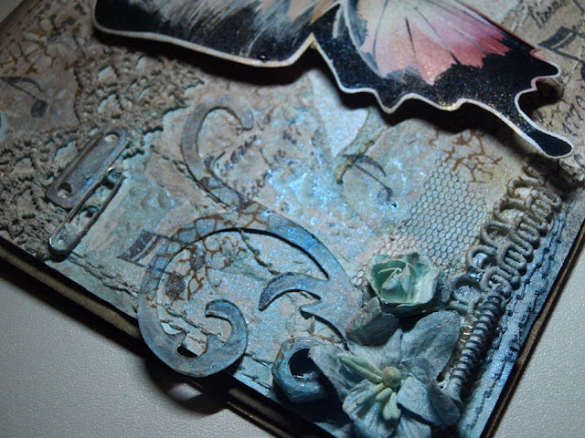 mix media butterfly-by Ewa Jarlińska_Sizzix BigZ Die - Tim Holtz - Elegant Flourishes