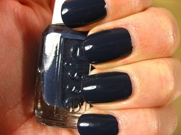 right on the nail essie winter 2011 collection bobbing for baubles. Black Bedroom Furniture Sets. Home Design Ideas