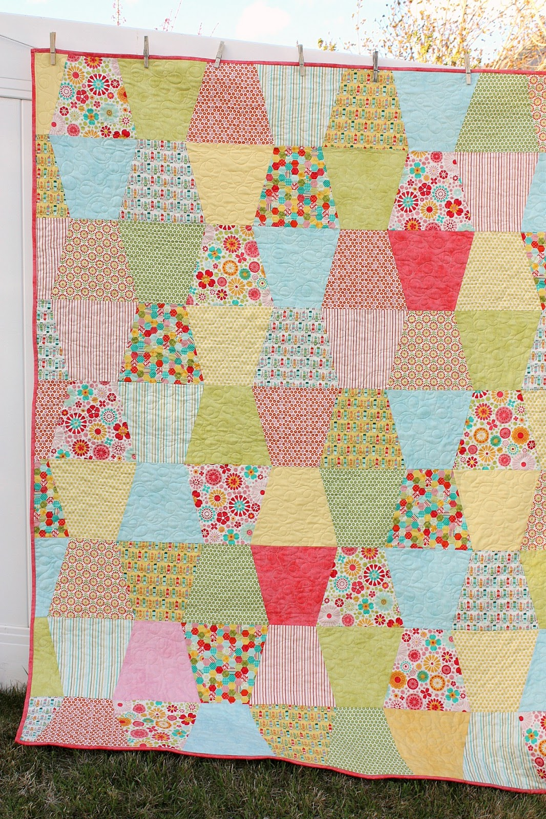 1600+Quilt+Tutorial When you go to sew the rows together, the seam ...: http://www.pic2fly.com/1600+Quilt+Tutorial.html