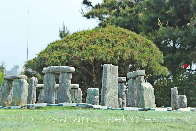 Stonehenge at Aiins World Korea