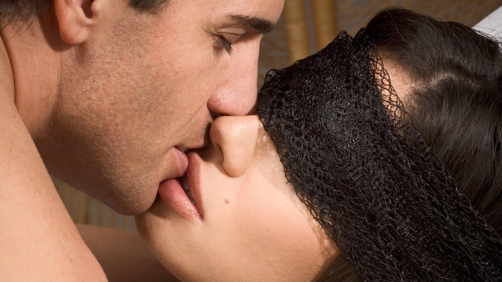 Love Hot Kiss Hd Wallpaper : HD WALLPAPERS FOR DESKTOP: hot kiss