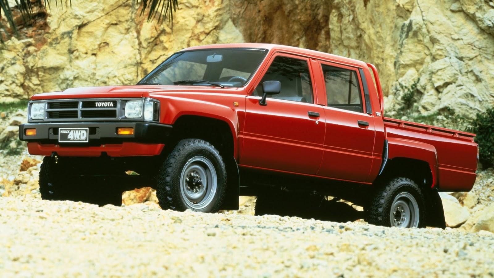 Para la cuarta generaci n de hilux fabricada entre 1984 y 1989 el n mero de versiones se ampli de 17 a 20 en los modelos de exportaci n