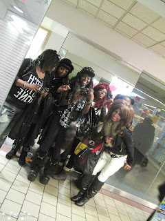 black gyaru, gyaru fashion, gyaru meet, chinatown, group shot, purikura,