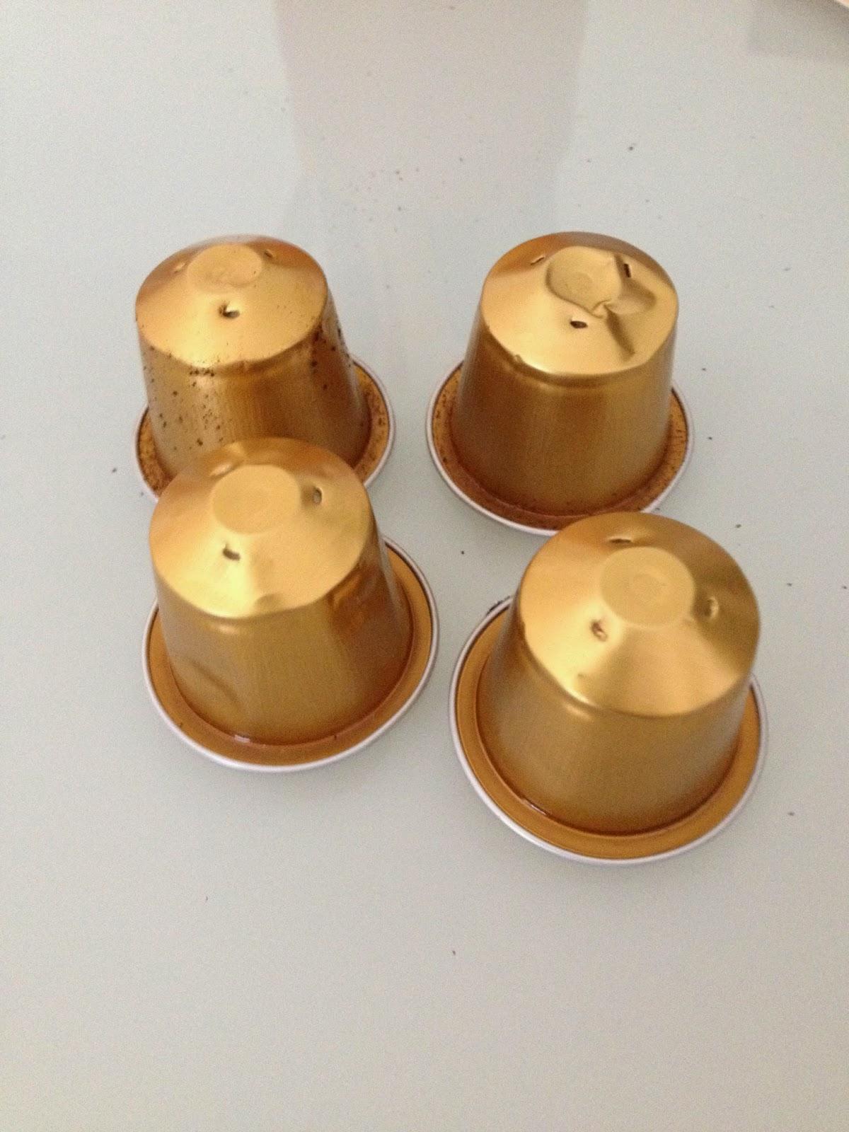 Les diy de fishounette boules de no l en capsules nespresso - Que faire avec des capsules nespresso ...