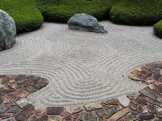 como construir un jardin japones en un espacio reducido o grande