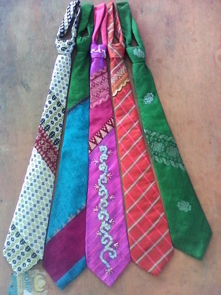 Dasi Tenunan Silungkang