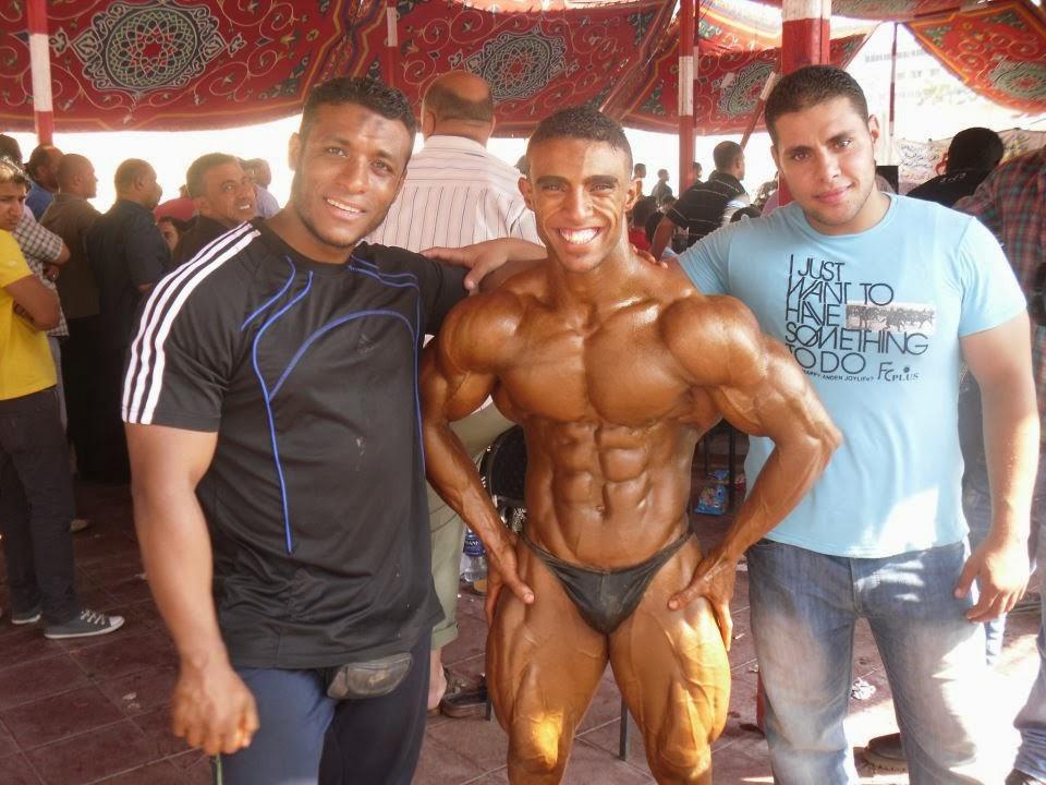 22yo bodybuilder ripped flexing at jockmenlive 10