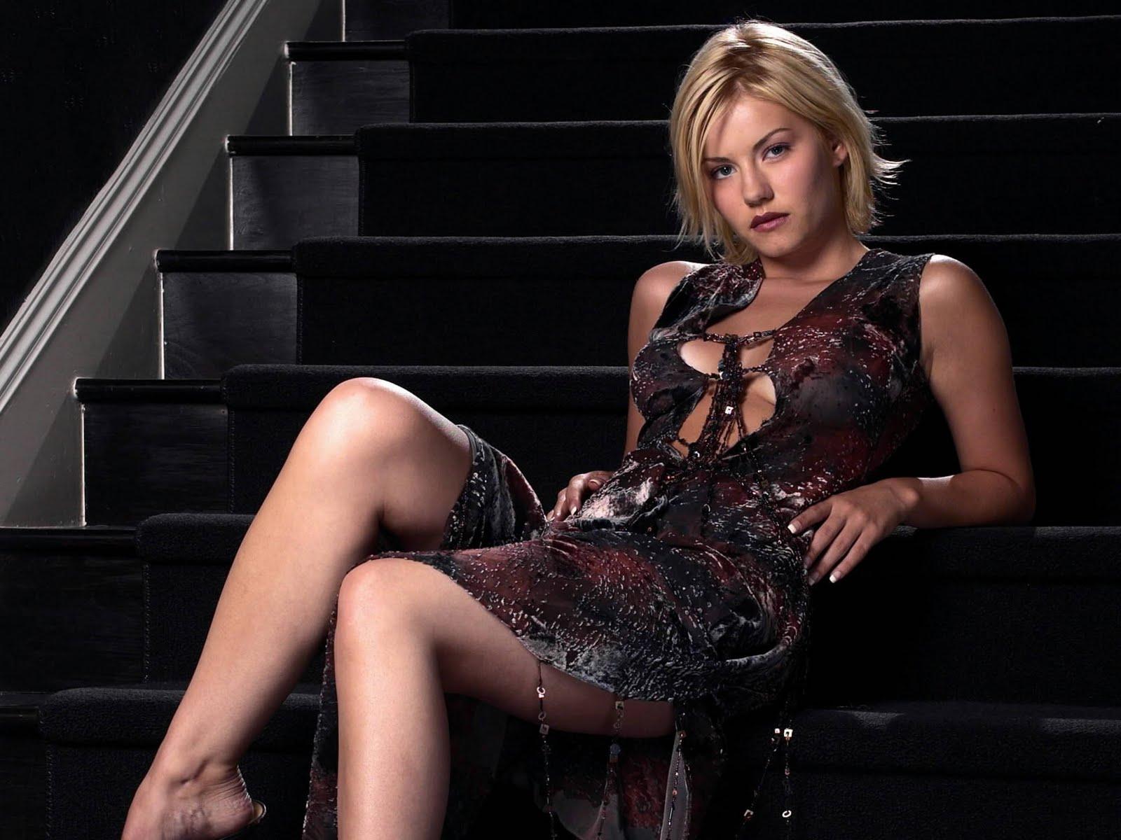 http://3.bp.blogspot.com/-PnPrAKR0Eb0/TYN-mECR8-I/AAAAAAAABao/aDuVSdun75Q/s1600/actress_elisha_cuthbert_hot_wallpaper_24.jpg