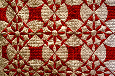 The Root Connection: Infinite Variety - Three Centuries of Red and ... : red and white quilt - Adamdwight.com