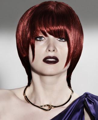 Peinados y Looks de Moda: Cabello rojo con flequillo en el 2012