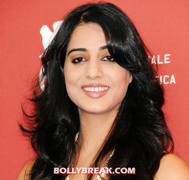 Mahie Gill Black Hair - (4) -  Which Actress has Sexiest Hair in Bollywood?