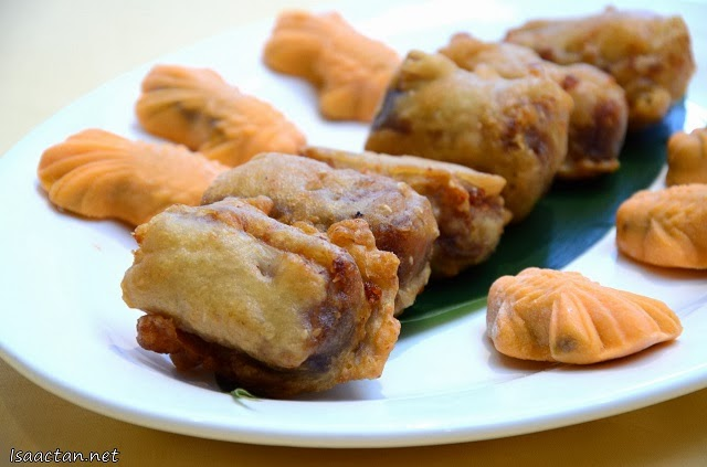 Duo of Deep Fried New Year cake with Yam and Golden Fish with Red Bean Paste