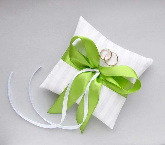 подушка для колечек