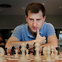 Tigran Gharamian en tête du National d'échecs 2015 - Photo Échecs & Stratégie