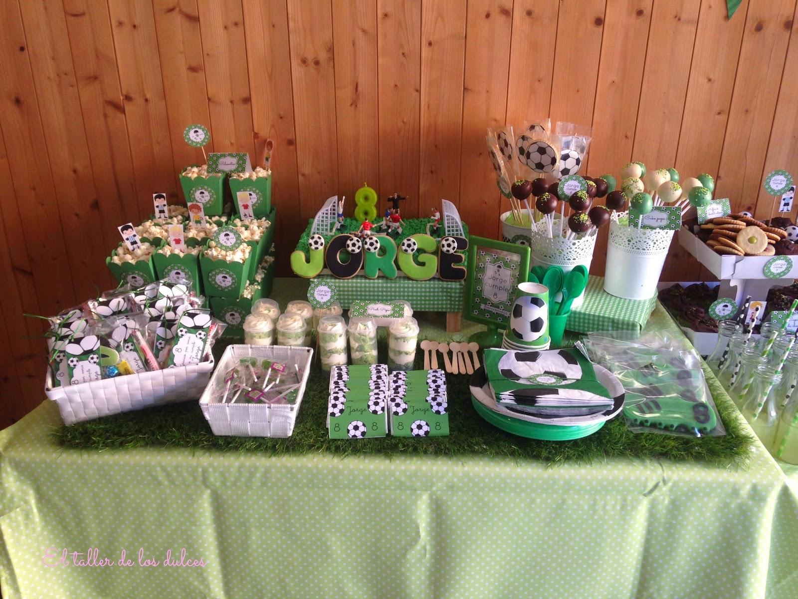 El taller de los dulces gran fiesta de cumplea os con for Fotos de mesas de chuches para bodas