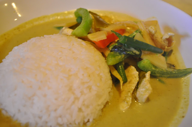 Pride+of+Siam+review+Exmouth+Market+Thai+restaurant+green+chicken+curry