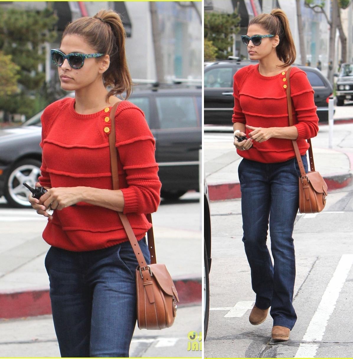 http://3.bp.blogspot.com/-Pox2KoXucrA/T5qMphGxYQI/AAAAAAAAHfU/WQ_F_wUCGFA/s1600/eva-mendes-red-sweater-shopping-01.jpg