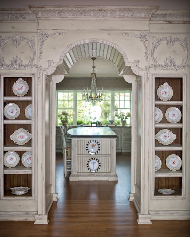 Hydrangea hill cottage leave it to habersham for Kitchen dining hall design