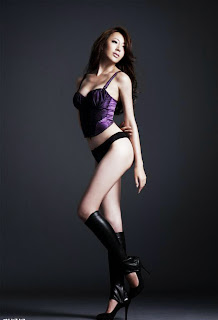 Sonia Sui sexy photo