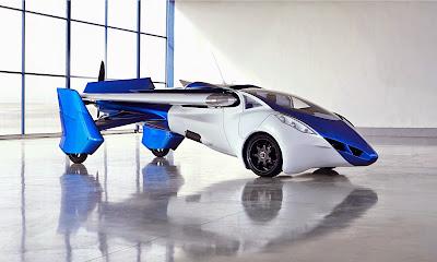 Ένα νέο πρωτότυπο ιπτάμενο αυτοκίνητο παρουσιάστηκε στη Βιέννη