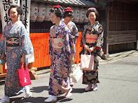 前方の二人、富菊さんの富津愛さんと富津愈さん。