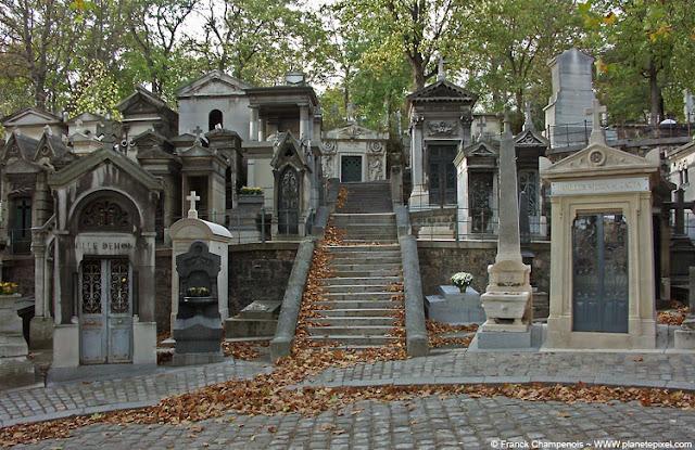 Cimitero père-lachaise di parigi