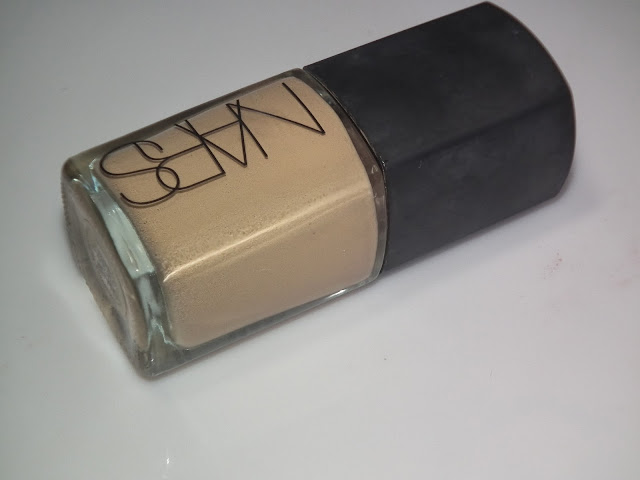 Nars Sheer Glow Foundation Stromboli Swatches