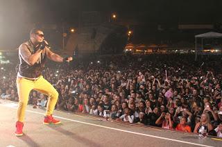 Recorde de público em Teresópolis: Naldo leva multidão para a Feport 2013
