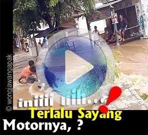 BANJIR JAKARTA VIDEO YOUTUBE GOKIL