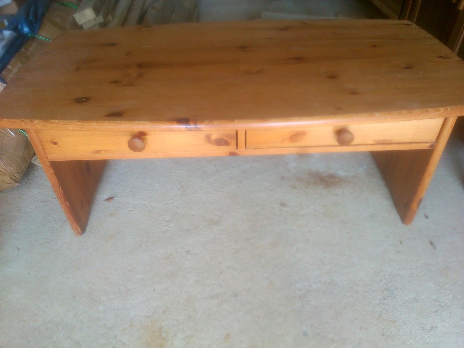 Ti case en bois table basse for Peinture pour table en bois tours