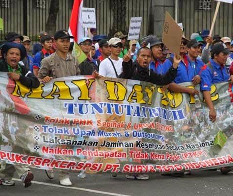 http://dangstars.blogspot.com/2014/05/tujuh-elemen-masyarakat-medan-sumut-peringati-may-day.html