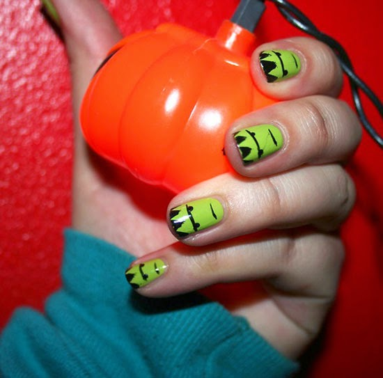 Amazing halloween day nails ideas nail designs 2 die for Nail design ideas to do at home