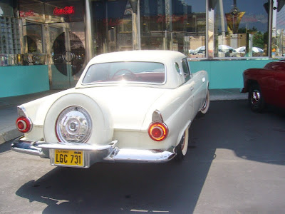 USJ メルズ・ドライブイン(MEL'S DRIVE IN)フォード・サンダーバード