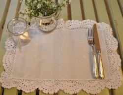 Artefina Tischset mit Spitzen