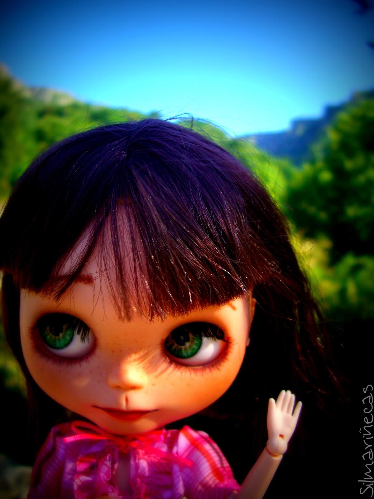 Basaak doll en delica