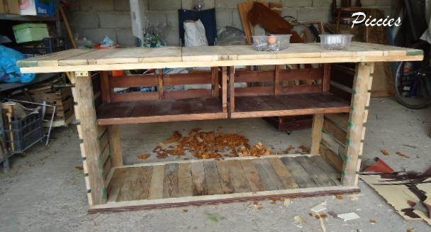 El escritorio de madera re reciclado for Cosas hechas con madera