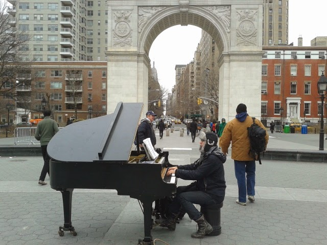 Colin Huggins de nuevo en Washington Square