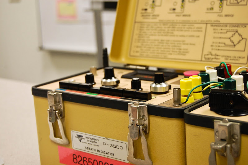 lab report strain gauge A strain gauge is a device used to measure strain on an object invented by edward e simmons and arthur c ruge in 1938,.