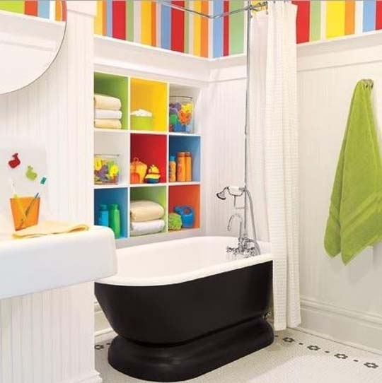 2013 bathroom decorating ideas from buzzfeed diy for Bathroom designs 2013