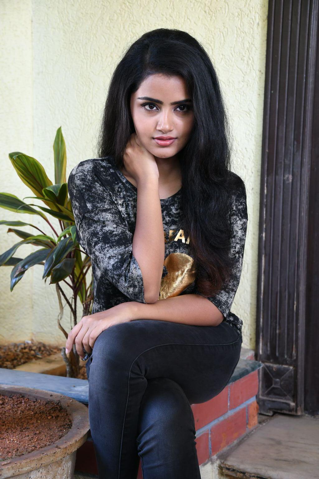 South Indian Actresses Latest Cute Pictures Anupama Parameshwaran