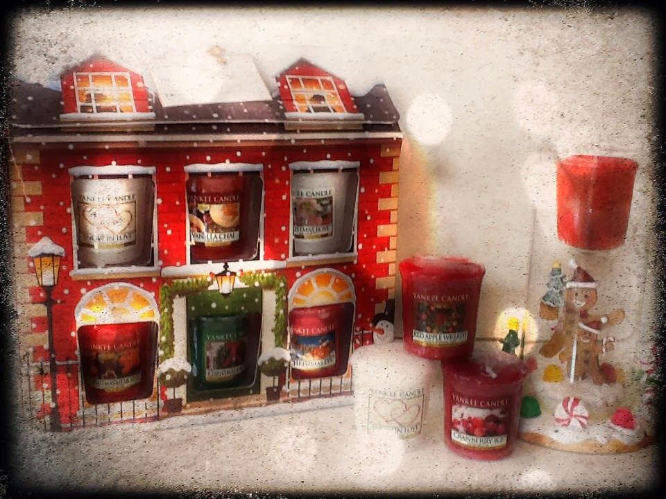 Yankee Candle Home for Holidays sampler house & Gingerbread tall sampler holder