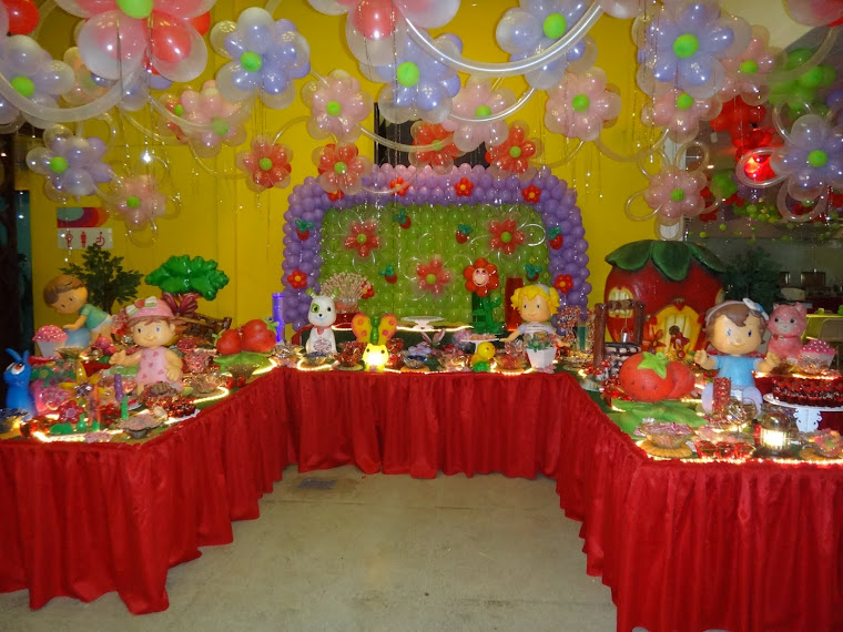 decoracao festa xuxinha:turma da xuxinha bem infantil,mas na versão moderna das mesas