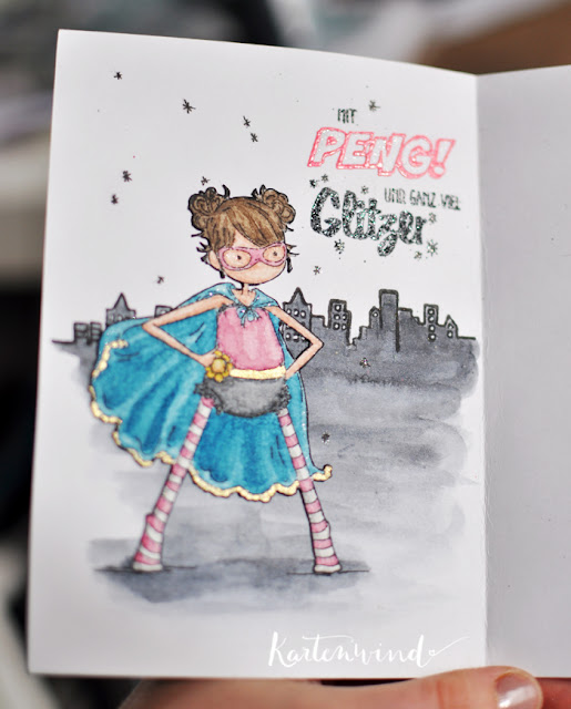 http://kartenwind.blogspot.com/2015/11/superheroine-mit-peng-und-ganz-viel-glitter-happy-insta-girls-halloween-bloghop.html